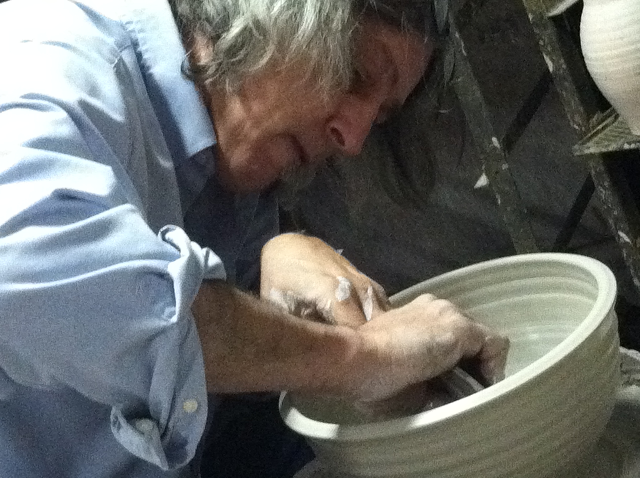 Steve Smith at work throwing a large bowl